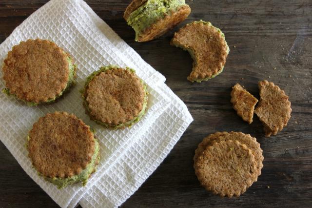 Pistachio espresso cookie sandwiches