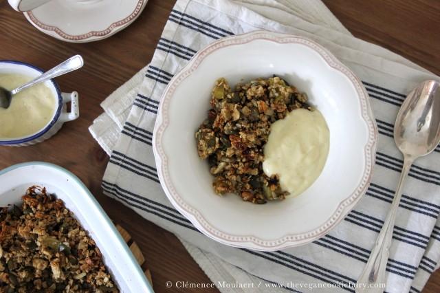 vanilla rhubarb crumble granola 3