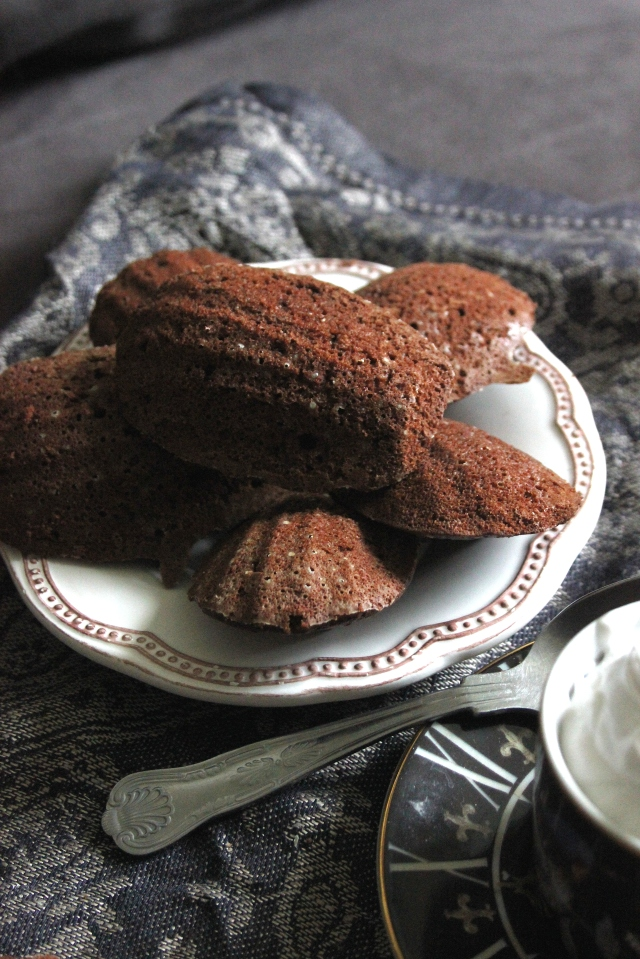 Chocolate madeleines 4