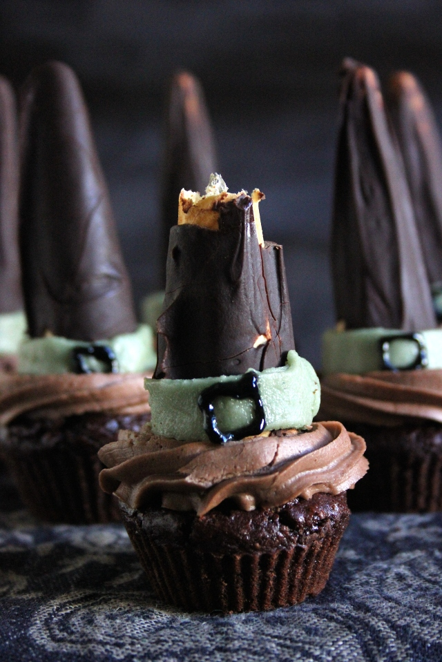 mint chocolate halloween cupcakes witches hats