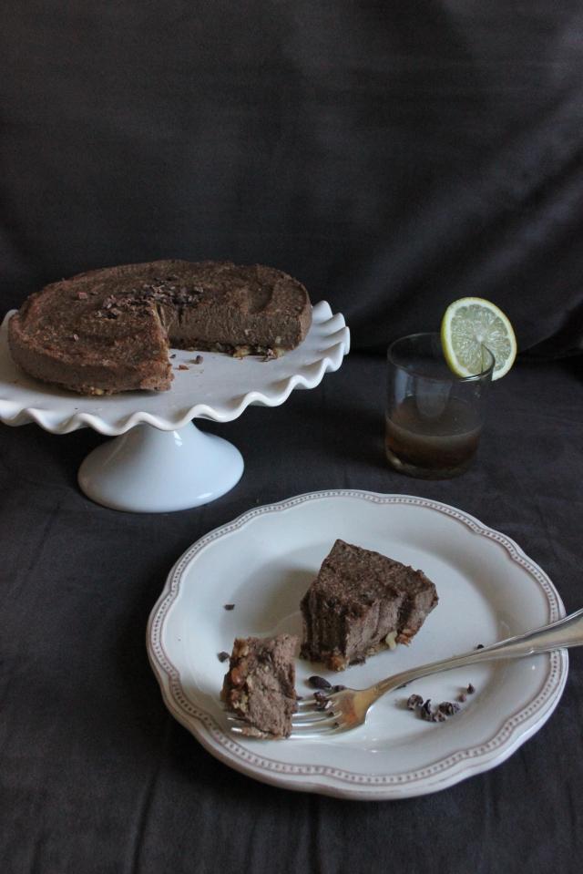 raw vegan amaretto chocolate cream cake - the vegan cookie fairy