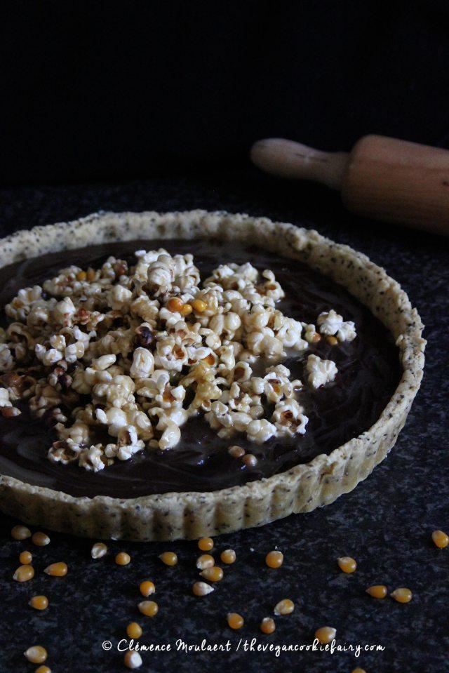 #Vegan-Salted-Caramel-Popcorn-Chocolate-Tart-4
