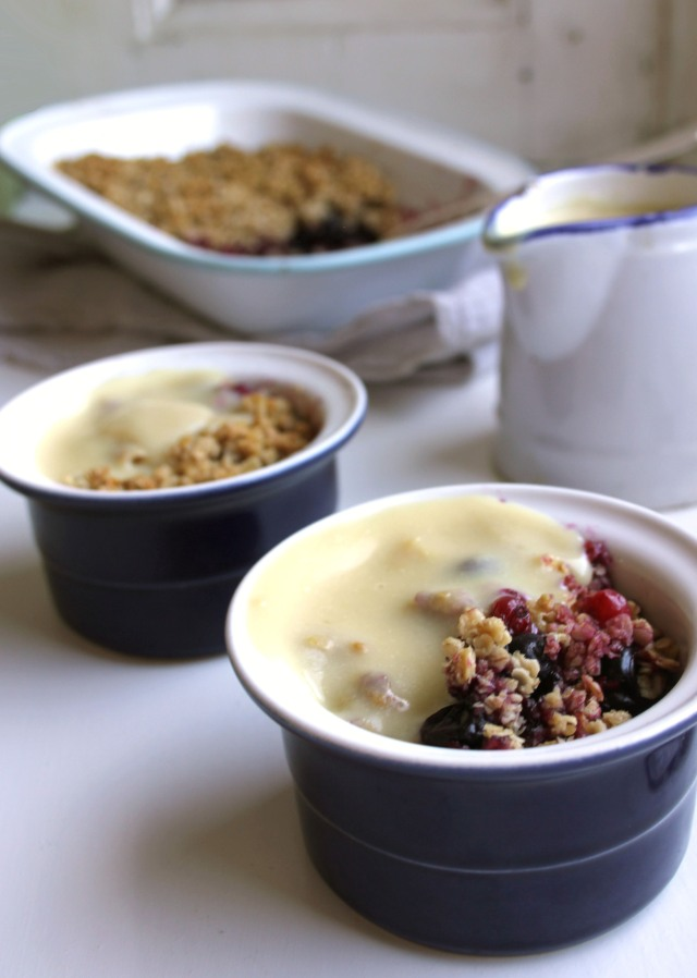 easy vegan berry crumble GF