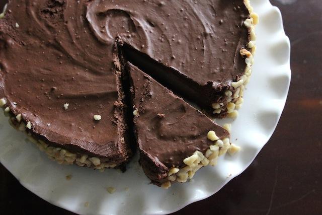Gianduja Chocolate Mousse Cake #vegan #nobake