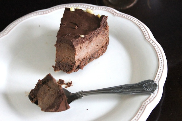 Gianduja Chocolate Mousse Cake #vegan #nobake